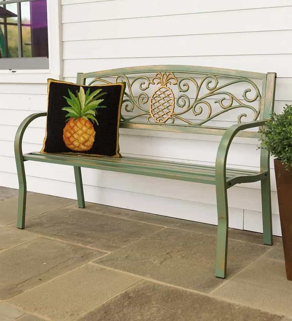 outdoor pineapple decor
